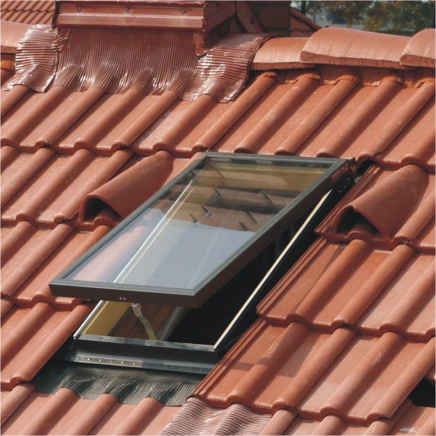 Dupla üveges tetőkibúvó burkolókerettel